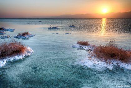 זריחה בים המלח בצילום מרהיב ממבחר תמונות למכירה או תמונות קנבס לסלון