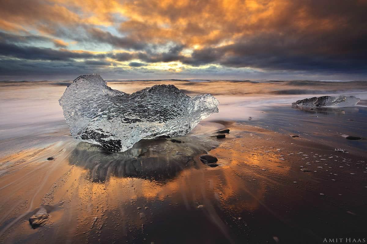 מבחר תמונות לסלון מודרני ובהן תמונת להבות הקרח