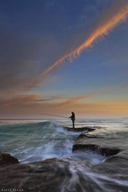 תמונת הדייג והים ועוד שלל תמונות לחדר שינה אלגנטי