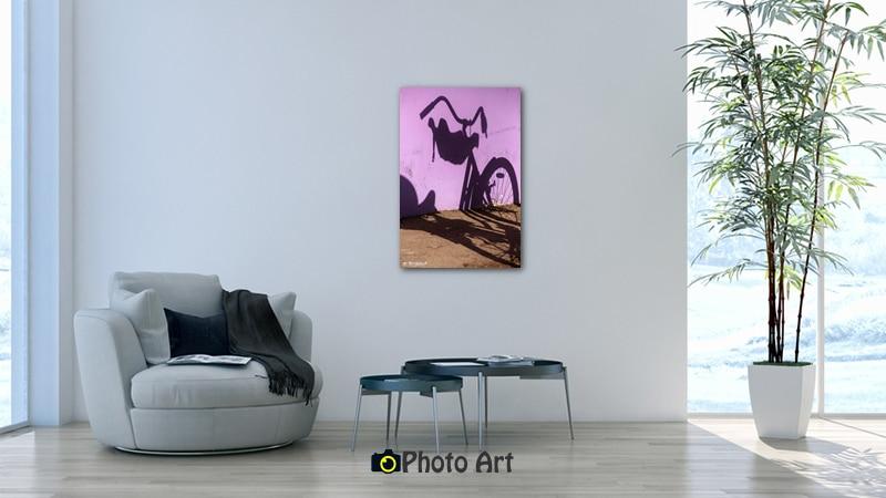 תמונת אופניים ועוד מגוון תמונות לסלון מעוצב בהדמיה