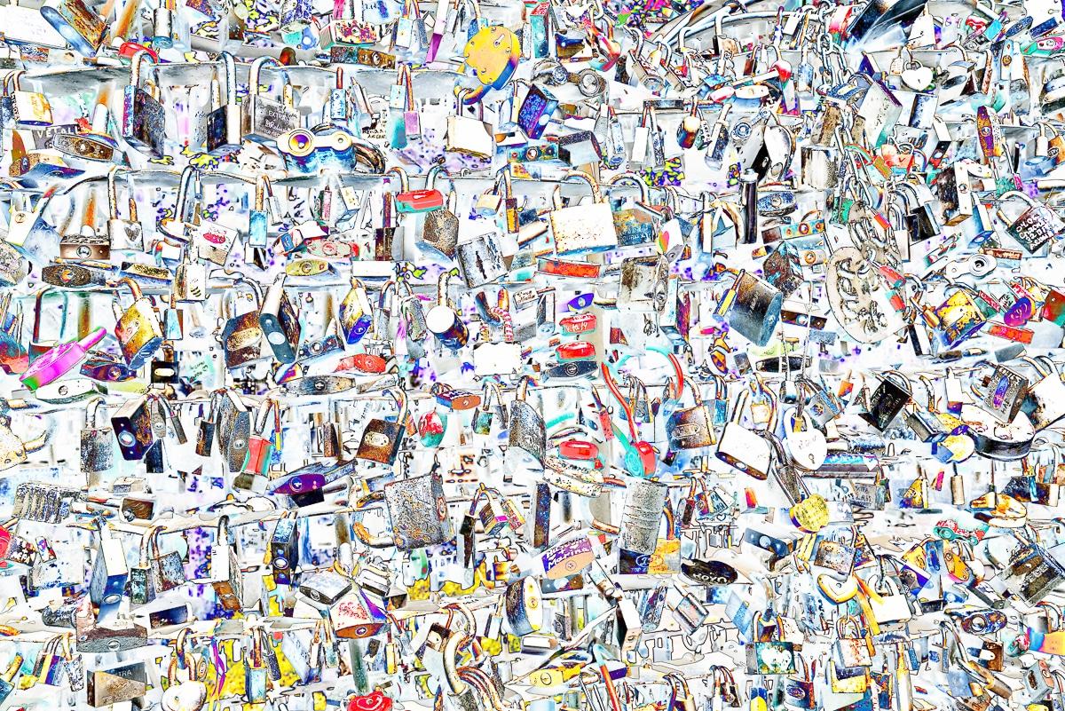 תמונה לסלון מודרני בסגנון פופ-ארט של אלפי מנעולים בשלל צורות וצבעים