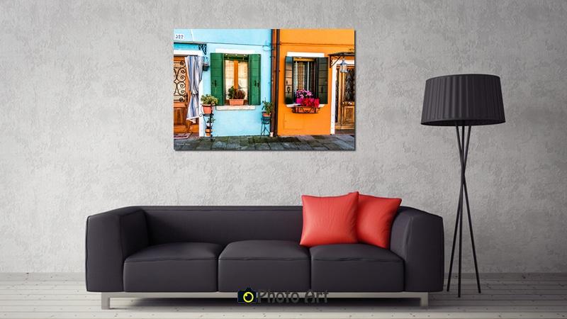 תמונת זוג או פרד בהדמיה על קיר הסלון מתוך מבחר תמונות אווירה לסלון מודרני
