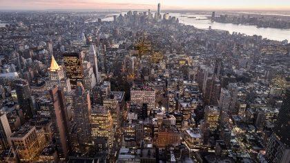 תמונה לסלון מודרני של העיר ניו יורק בין המגדלים ממבחר תמונות לבית