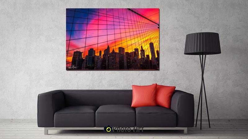 תמונת הדמיה של שקיעה אדומה על קיר הסלון