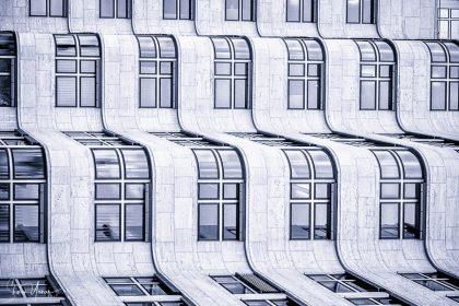 תמונות לסלון מודרני ובהן תמונת גל המיוחדת