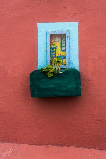 תמונת חלום של חלון ועוד מגוון תמונות על קנווס לסלון ולחדר שינה באווירה רומנטית