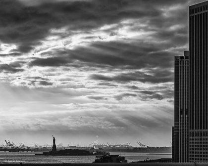 תמונת מה יהיה - עבים מעל העיר ניו יורק
