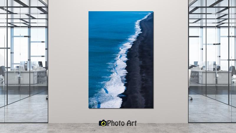 תמונת קו החוף בהדמיה במשרד בעיצוב מודרני