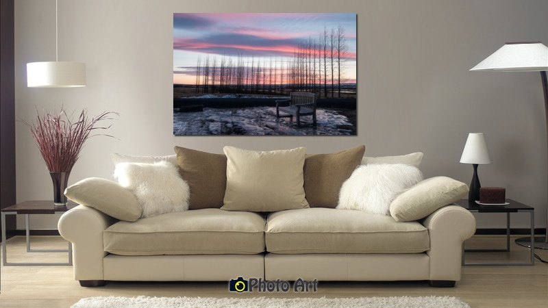 הדמיה שלתמונת דמדומים בסלון מעוצב בגוונים ניטרליים
