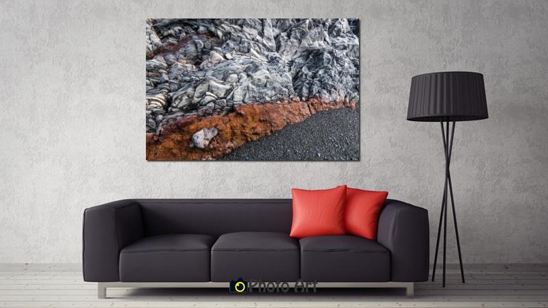 אדום בחוף - הדמיה של תמונת טבע מרשימה בחלל מינימליסטי