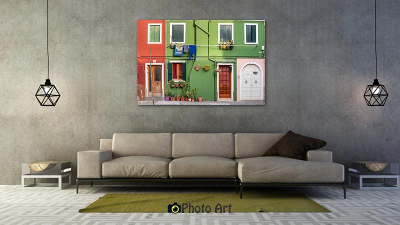 דלתות בהדמיה כתמונה לסלון בגוונים מונוכרומטיים
