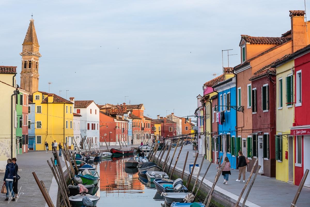 תמונת מגדל מבוראנו שבוונציה - צבעוניות מקסימה