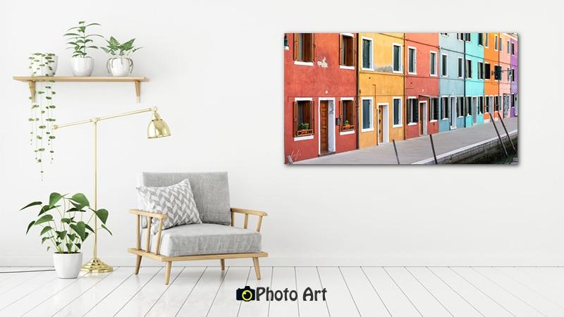 הדמיה על קיר לבן של תמונת מה שצבע יכול לעשות