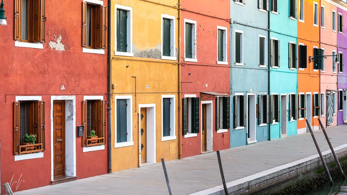 מה שצבע יכול לעשות - תמונה לבית ולמשרד בצבעוניות הרמונית